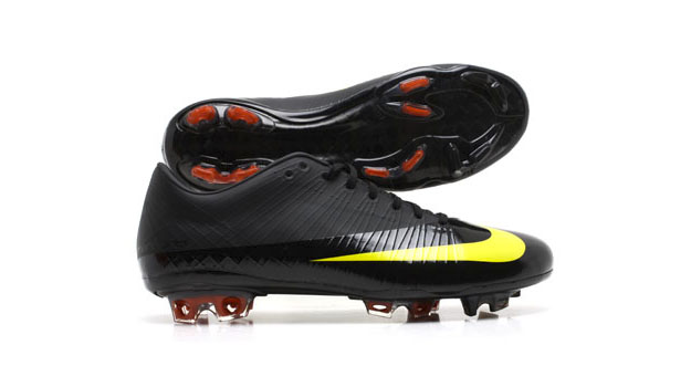 a19b1ec30fa Nike Mercurial Vapor IV Released  2007. Key Technology  Teijin Synthetic  Leather Did you happen to see Cristiano Ronaldo outrun a Bugatti Veyron